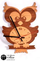 Horloge Hibou en bois : www.auxmerveilles.be