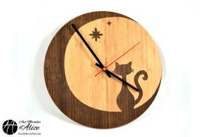 Horloge Chat lune en bois : www.auxmerveilles.be